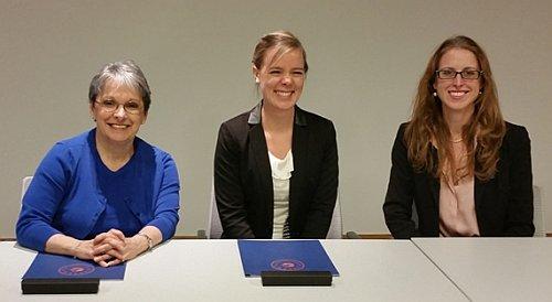 Signing of Memorandum of Understanding with Ana-Sofia Commichau from the Universität Mannheim